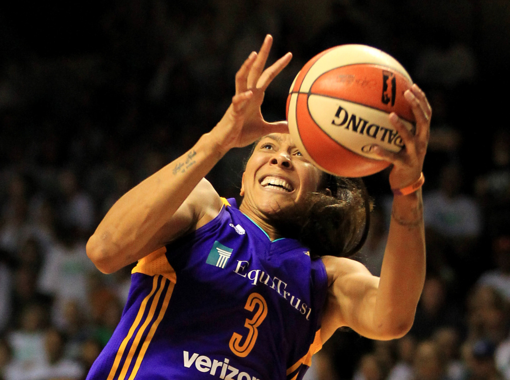 MINNEAPOLIS, MN - SEPTEMBER 24: Candace Parker #3 of the Los Angeles Sparks catches a long pass against the Minnesota Lynx during the fourth quarter of Game One of the WNBA finals at Williams Arena on September 24, 2017 in Minneapolis, Minnesota.(Photo by Andy King/Getty Images)