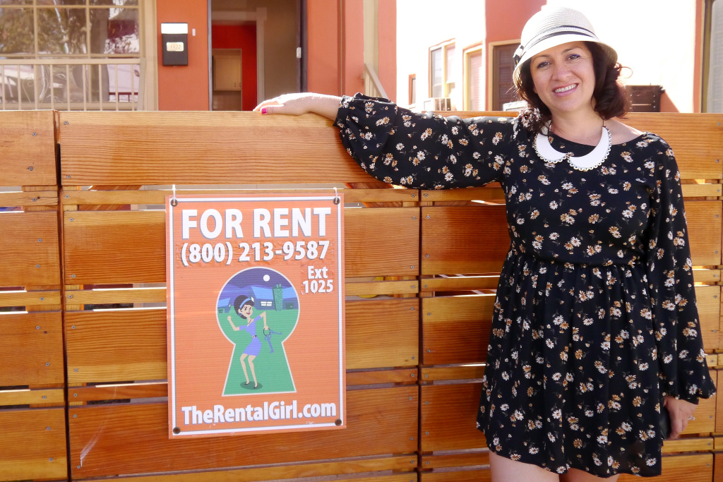 That's The Rental Girl leasing agent Ellie Ellie Balderrama-Hernandez, who started the rent crawl two years ago. On a recent Saturday morning, about 15 couples came out to see a coveted one-bedroom Los Feliz pad listed at $2,095 a month.