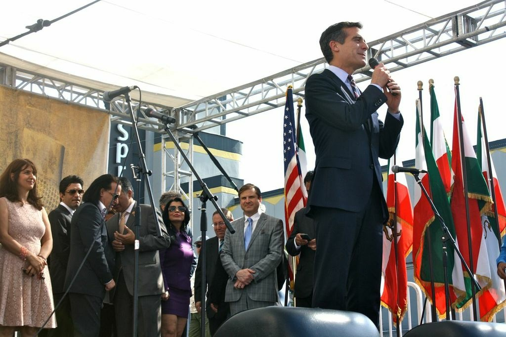 The Los Angeles Times explores Eric Garcetti's military service.