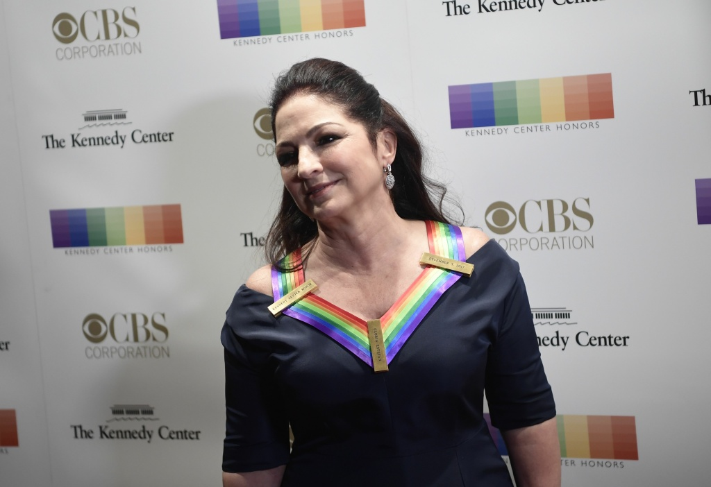 Gloria Estefan arrives for the 40th Annual Kennedy Center Honors in Washington, DC on December 3, 2017.