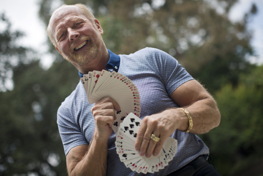 Richard Turner, who is legally blind, specializes in card tricks. His stage name is The Cheat.