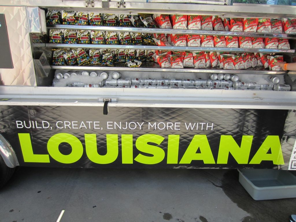 The good people of Louisiana want to steal our gamers! They've sent a food truck to E3 to entice Californians to cone to