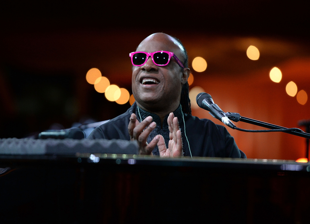 Singer Stevie Wonder performs onstage at the City Of Hope Spirit Of Life Gala Honoring Rob Light on September 19, 2013 in Playa Vista, California.