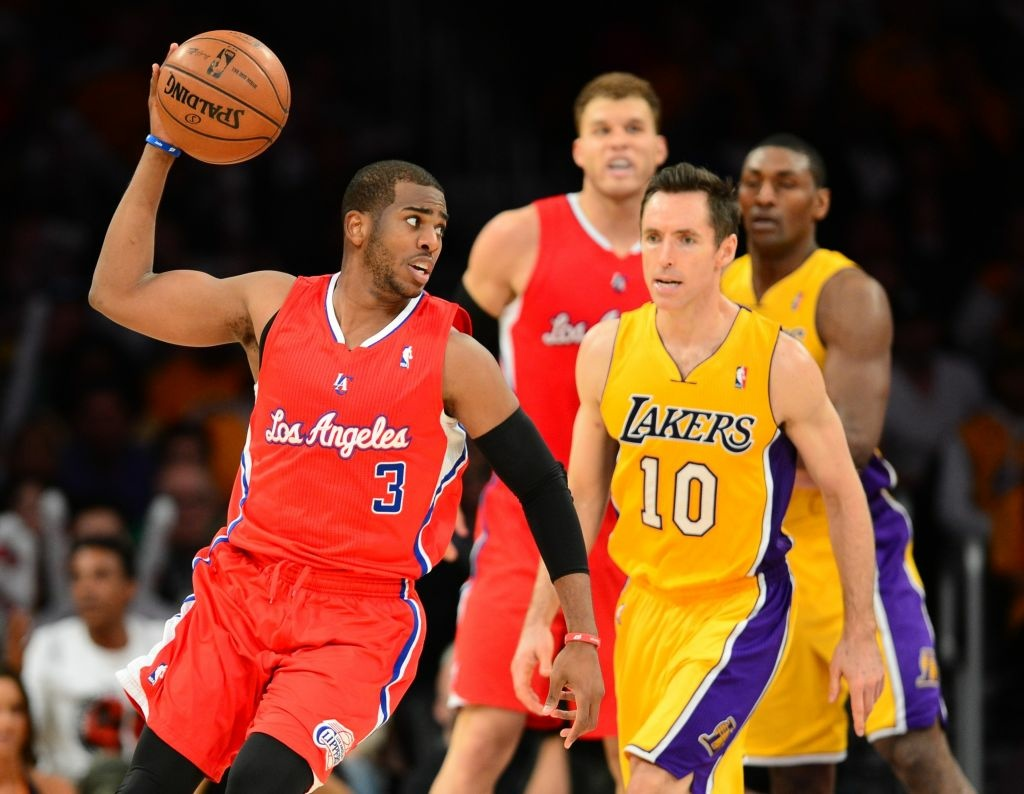 Chris Paul is staying with the Los Angeles Clippers. The All-Star point guard agreed to a new deal Monday, the first day free agency opened, according to his agent Leon Rose.