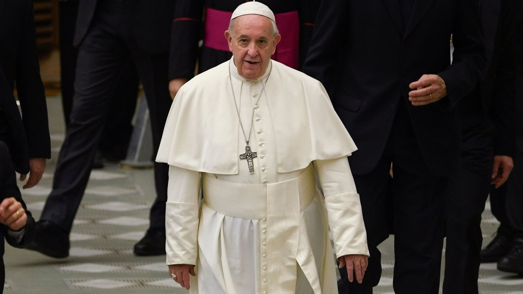 Pope Francis says married male deacons and women can