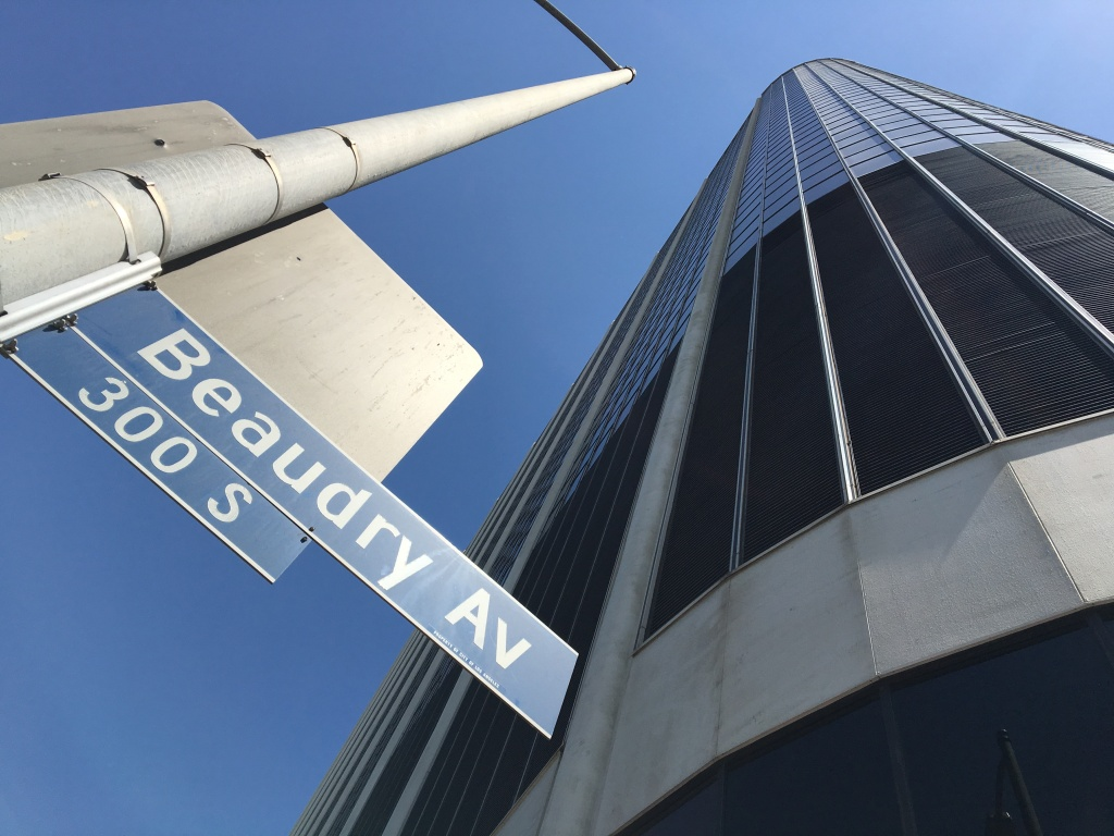 Since 2002, the Los Angeles Unified School District has used the 20-story, 918,000 square-foot