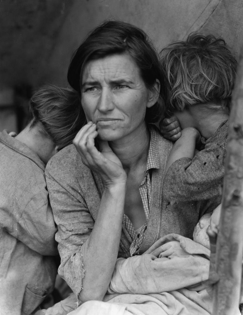 Destitute Pea Pickers in California. Mother of Seven Children, age 32. Migrant Mother, 1936.