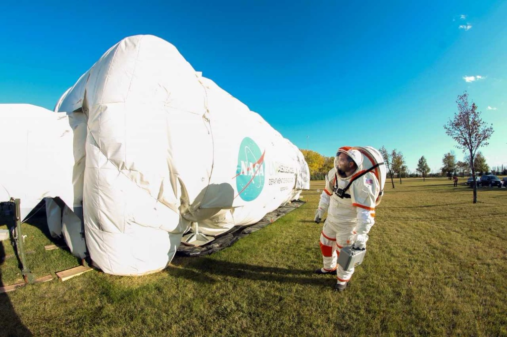 Scientists at NASA's Jet Propulsion Lab researched how humans and fungus might co-exist in space using the Inflatable Lunar/Mars Analog Habitat in North Dakota.