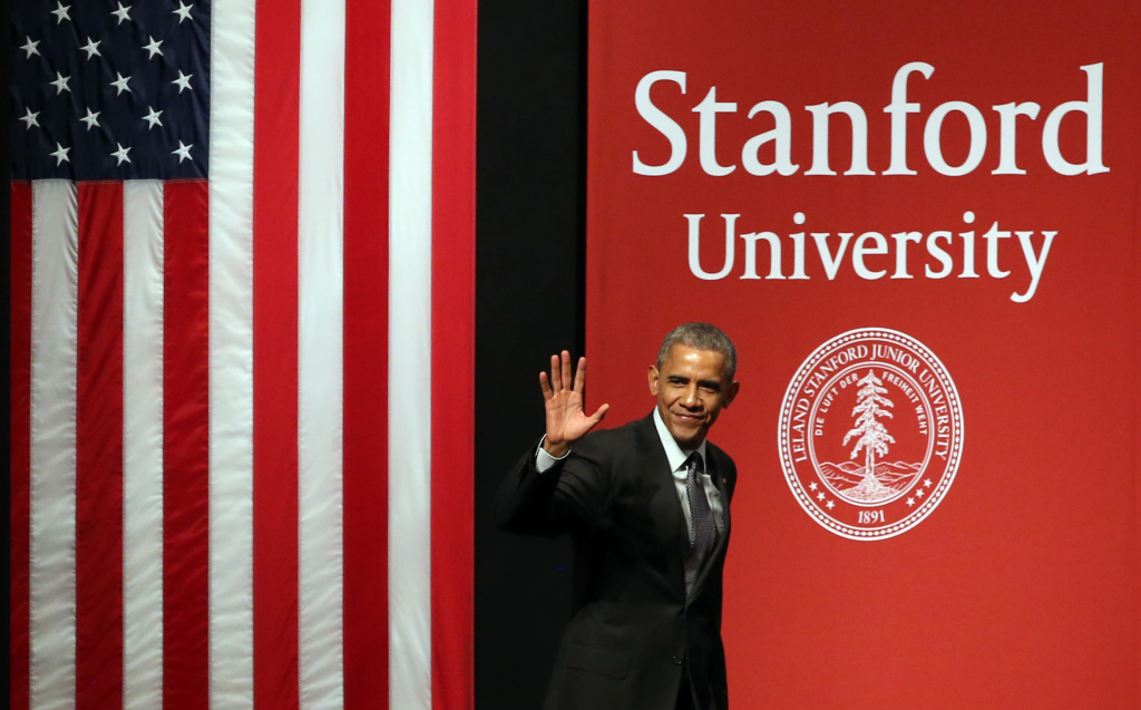 STANFORD, CA - FEBRUARY 13:  U.S. President Barack Obama waves as he arrives at the White House Summit on Cybersecurity and Consumer Protection on February 13, 2015 in Stanford, California. President Obama joined corporate CEOs to speak about the importance of cybersecurity during the White House Summit on Cybersecurity and Consumer Protection.