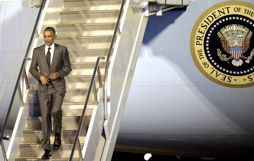 U.S. President Barack Obama arrives in Panama City on April 9, 2015 for a summit of leaders from the Americas, where thawing ties with Cuba top the agenda. Regional leaders begin to arrive for a historic Summit of the Americas that will see the US and Cuban presidents sit face to face for the first time in decades.