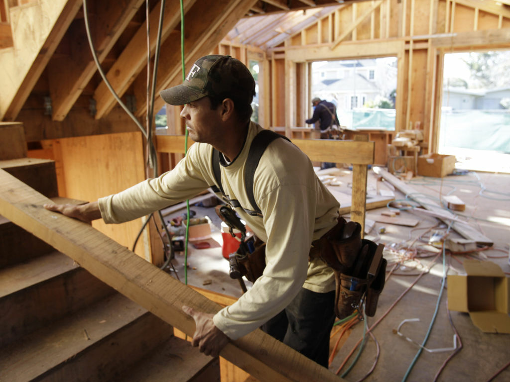 The Commerce Department said Wednesday that U.S. builders increased construction of single-family homes 7 percent last month to a seasonally adjusted annual rate of 628,000, the most single-family homes in six months.