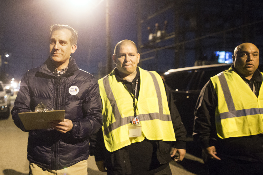 Los Angeles Mayor Eric Garcetti takes part in the 2017 Greater Los Angeles Homeless Count along Aetna Street at Tyrone Avenue in Van Nuys.