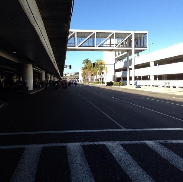 A witness tweets photos of LAX an hour after the shooting Friday morning. No cars can be seen outside the terminal.
