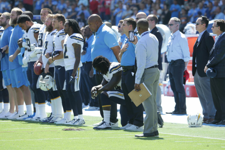 CARSON, CA - SEPTEMBER 24:  The Los Angeles Chargers are seen during national anthem at the game against the Kansas City Cheifs at the StubHub Center on September 24, 2017 in Carson, California.  (Photo by Jeff Gross/Getty Images)