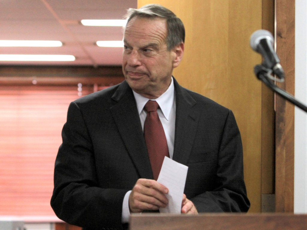 San Diego Mayor Bob Filner arrives at a news conference on July 26 to announce his intention to seek professional help for sexual harassment issues. He's reported to have left therapy a week ahead of schedule.