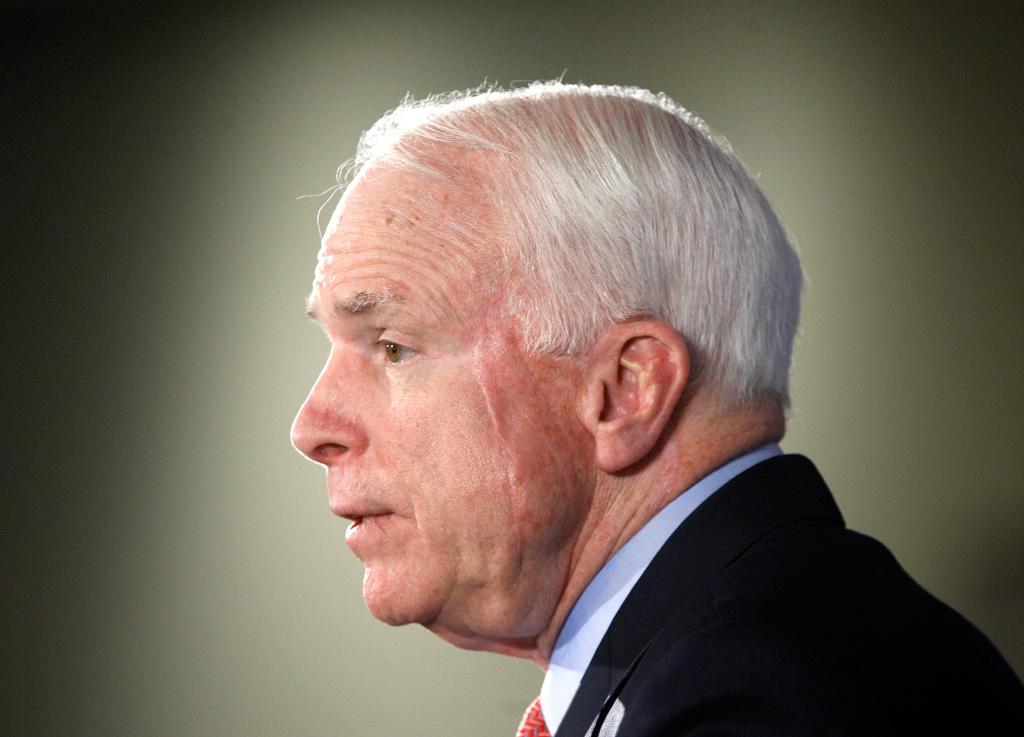 U.S. Sen. John McCain (R-AZ) addresses the Heritage Foundation December 15, 2009 in Washington, DC. Sen.