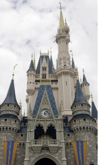 Cinderella's Castle at Walt Disney World 25 January 2007 in Lake Buena Vista, Florida. Each night a ramdomly selected guest will be picked to stay in the Royal Suite inside the castle during Disney's Year of a Million Dreams. AFP PHOTO/Robert SULLIVAN (Photo credit should read ROBERT SULLIVAN/AFP/Getty Images)