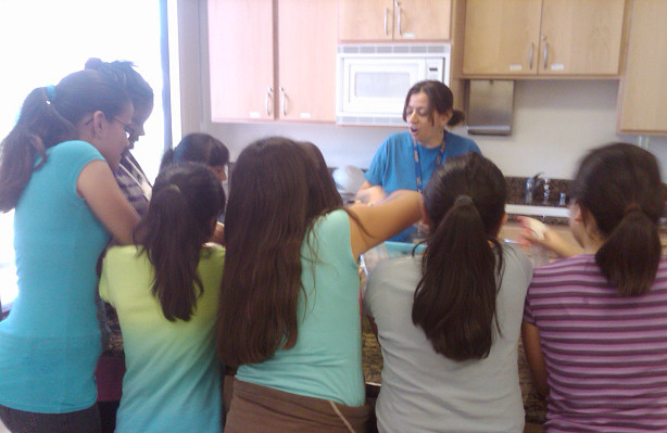 Environmental scientist Sabrina Drill demonstrates a science lesson for a group of East Los Angeles fifth- and sixth-graders.