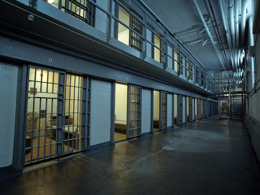 A new California legislation aims to end mandatory jail sentences for nonviolent drug offenses.