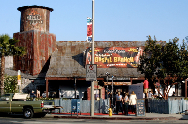 The Cat and Fiddle pub in Hollywood will close in mid-December after 32 years in business.