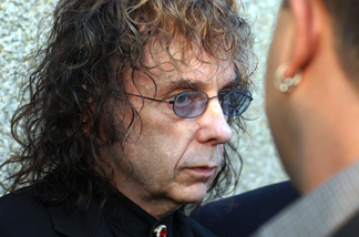 Journalist Joe Domanick says Lana Clarkson would be alive today if Phil Spector's previous bad behavior had been dealt with.