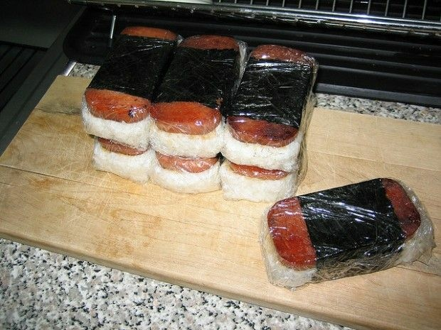 Spam musubi to go, October 2006. Photo by klyphord/Flickr (Creative Commons)