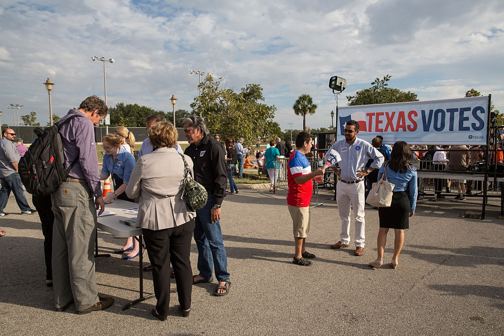 A general view of atmosphere as seen during the bus tour kickoff to support Leticia van de Putte for Lieutenant Governor on October 22, 2014 in San Antonio, Texas.