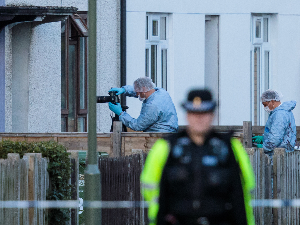 Counter-terror officers visited Parsons Green suspect's home, says neighbour