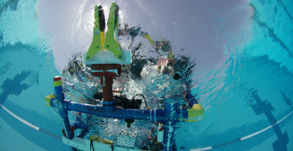 """Stinky"" the Robot competes in an underwater robotics competition. The team of high school engineers at Carl Hayden High School in Phoenix, Arizona surprised everyone with their robot and their ingenuity."
