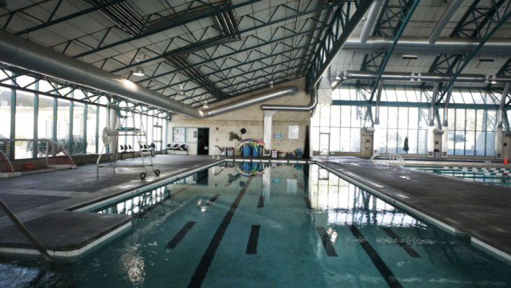 City of Commerce Aquatic Center
