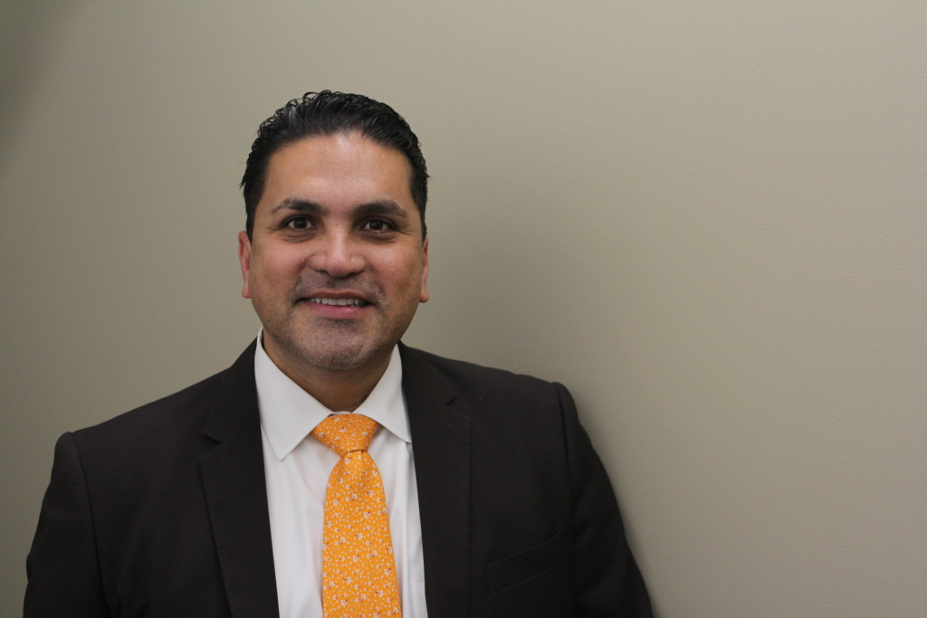 Efrain Matthew Aceves is a candidate for the L.A. Superior Court.