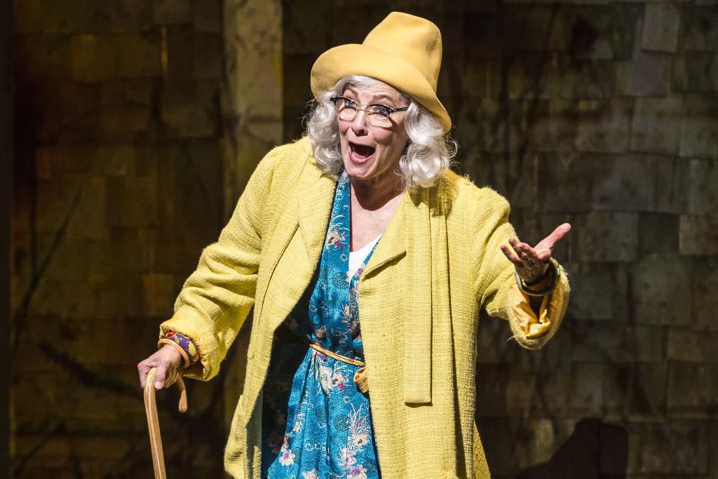 Betty Buckley in