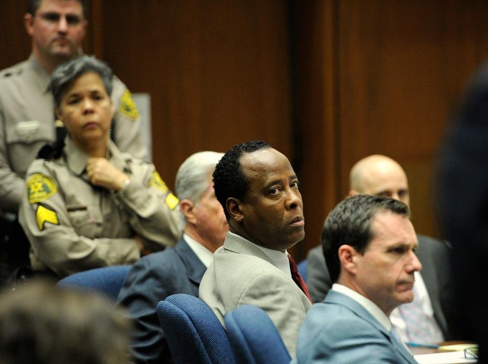 Dr. Conrad Murray looks toward Los Angeles Deputy District Attorney David Walgren (not pictured).
