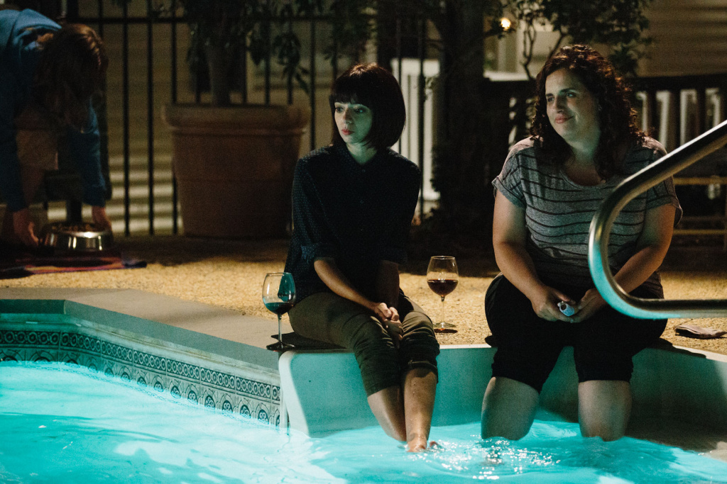 (L-R) Kate Micucci (Allison), Tami Sagher (Lindsay) in Mike Birbiglia's