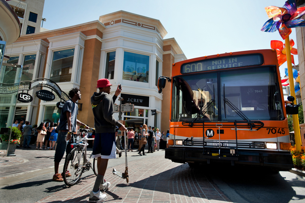 Which buses are most timely, least timely?