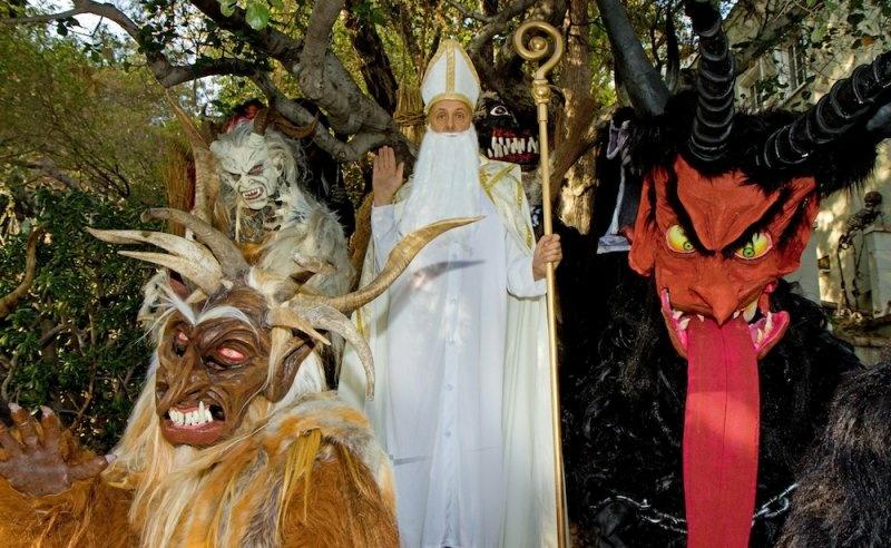 Costumes L-R: Al Ridenour, Greg Reynard, Bob Moss, Al Guerrero.