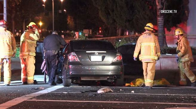 An off-duty Los Angeles police officer was killed in a crash early Sunday morning.