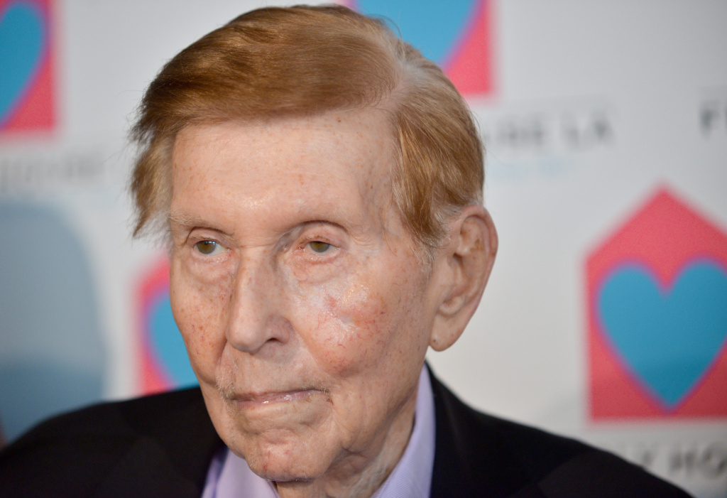 File: Sumner Redstone arrives at the Friendly House Los Angeles' 24th Annual Awards Luncheon at the Beverly Hilton Hotel on Saturday, Oct. 26, 2013 in Los Angeles.