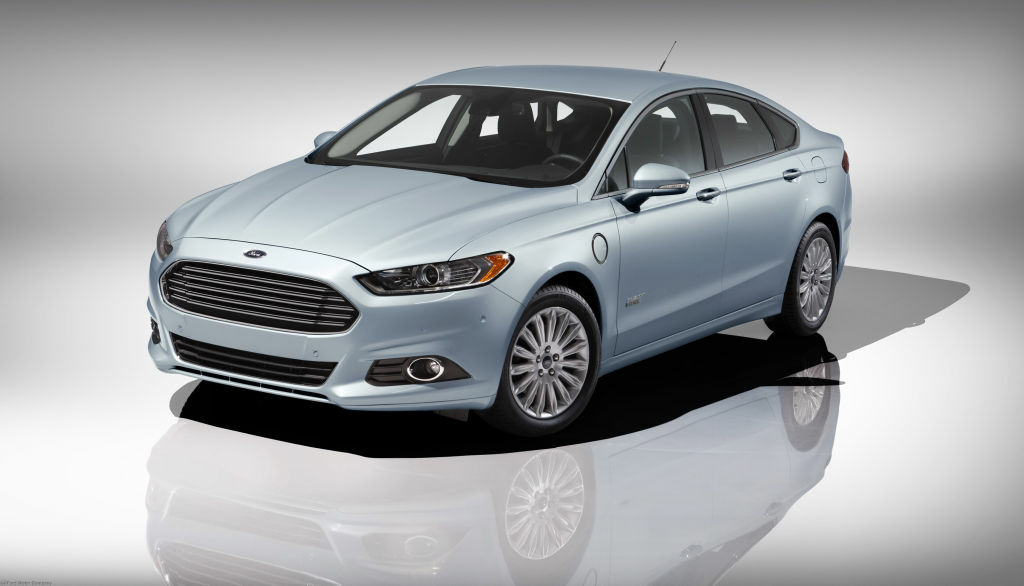 The 2013 Fusion Energi plug-in hybrid has won Green Car of the Year at the 2012 LA Auto Show.