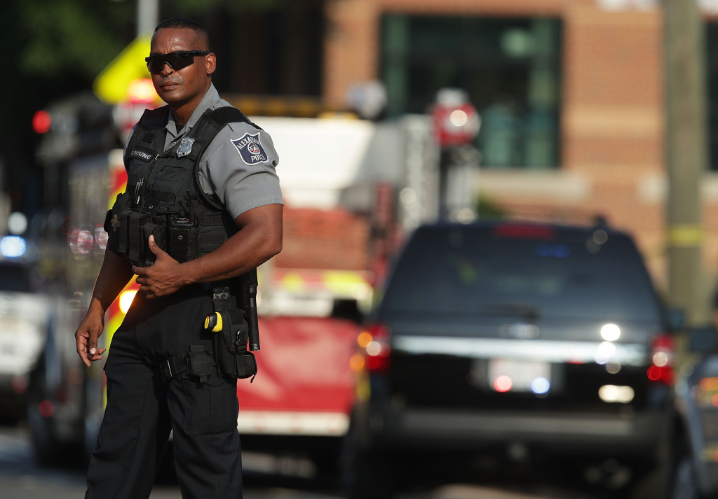 IL congressional office had multiple contacts with gunman