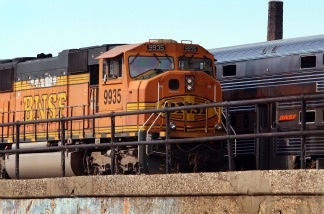 A Burlington Northern Santa Fe (BNSF) engine pulls a train loaded with coal October 23, 2007 in Chicago, Illinois.