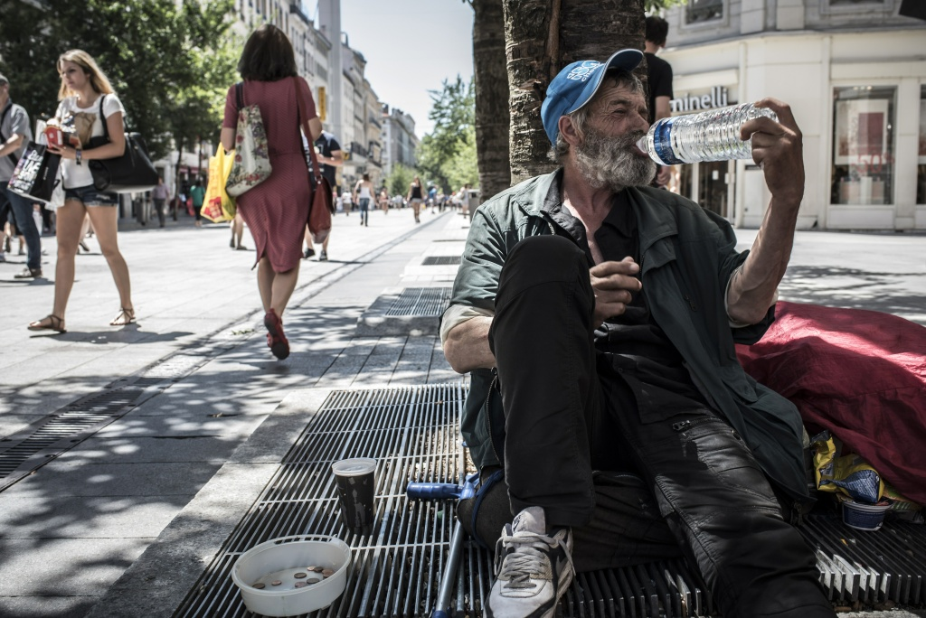 helping the homeless through a heat wave 89 3 kpcc
