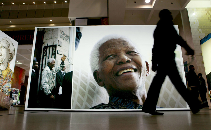 Posters And Banners of Nelson Mandela Around Cape Town