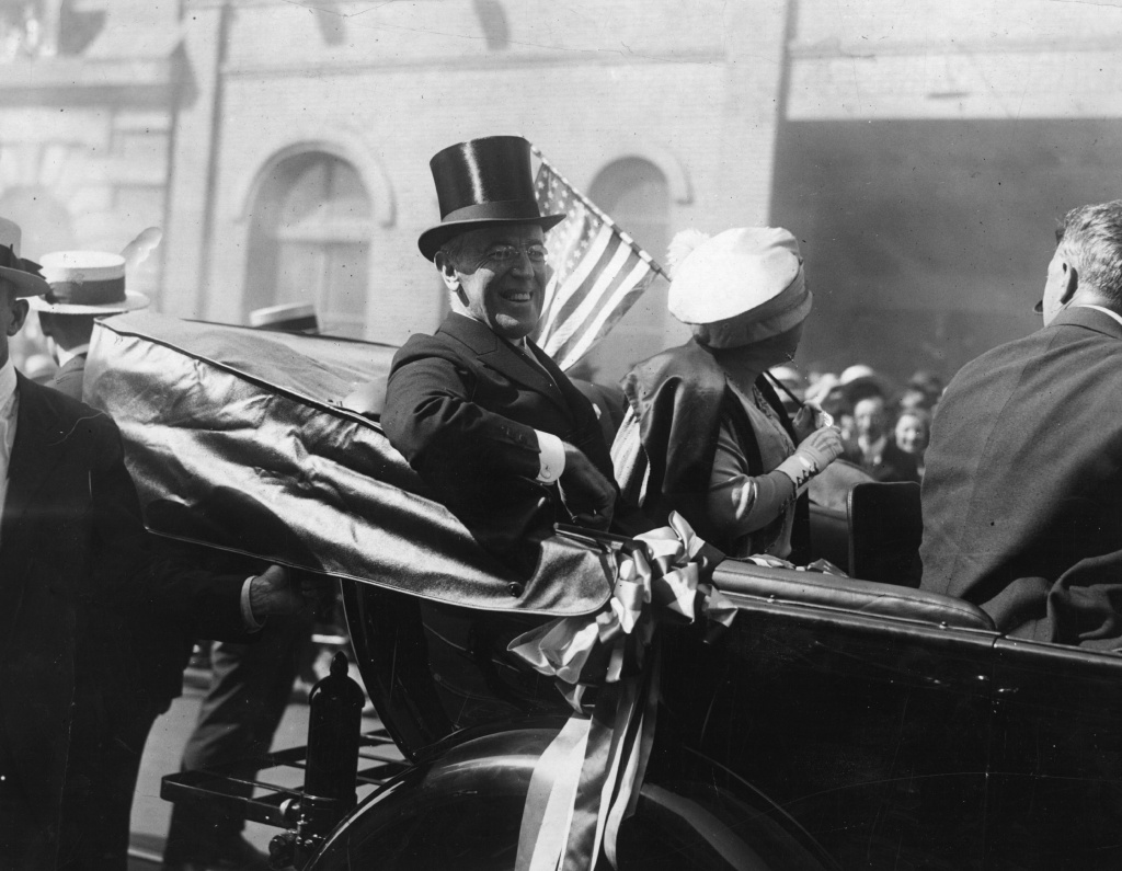 President Woodrow Wilson (1856 - 1924) with the First Lady, Edith Wilson (1872 - 1961) riding in a carriage in New York. President Wilson was the 28th President of the United States of America.