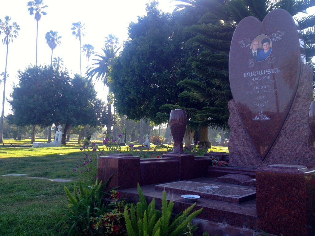 Even when the greens weren't green in then-Hollywood Memorial Park, some families kept the areas around their loved ones' graves well-irrigated. View of Hollywood Forever, 2014.