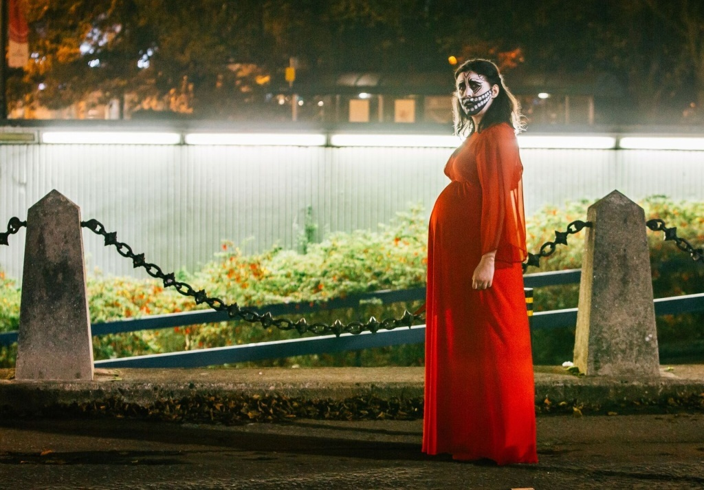 British filmmaker Alice Lowe has broken new ground by gestating her daughter at the same time she wrote, directed and starred in Prevenge.