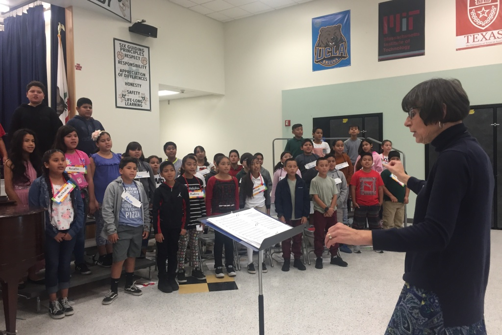 LA Master Chorale teaching artist Alice Kirwan Murray conducts a
