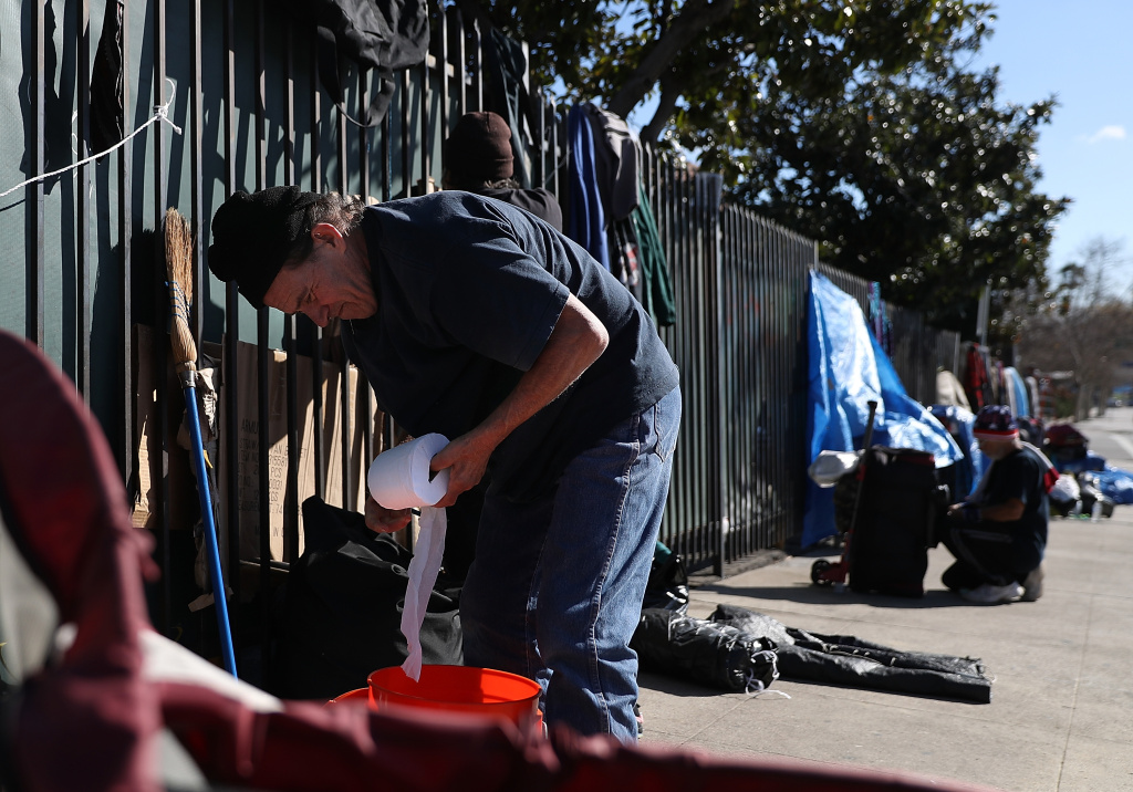 Airtalk audio la s homelessness shows dramatic rise for Los angeles homeless shelter