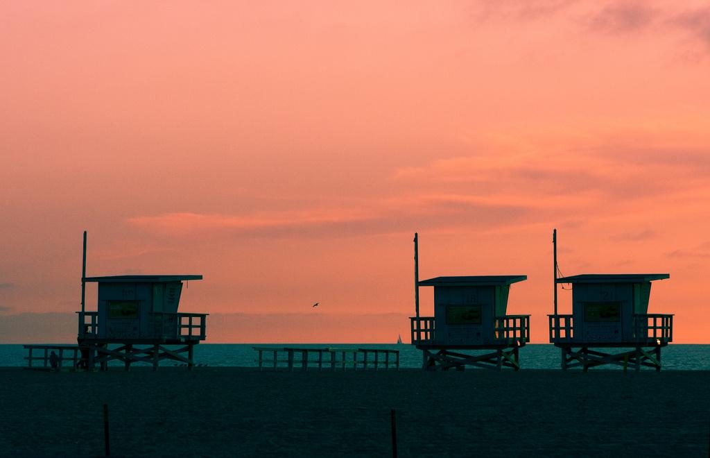 dawn lifeguard beach