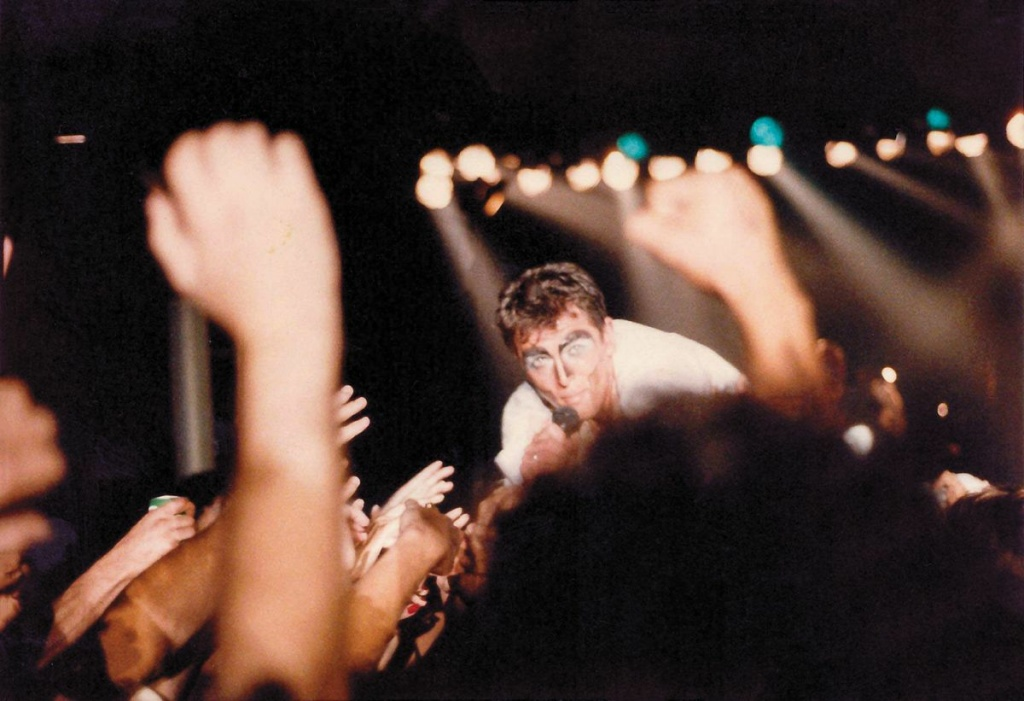 Peter Gabriel sings